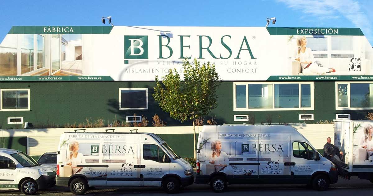 El edificio de Bersa, la fábrica de ventanas de pvc que está en Villalba en la Sierra de Guadarrama, en Madrid.